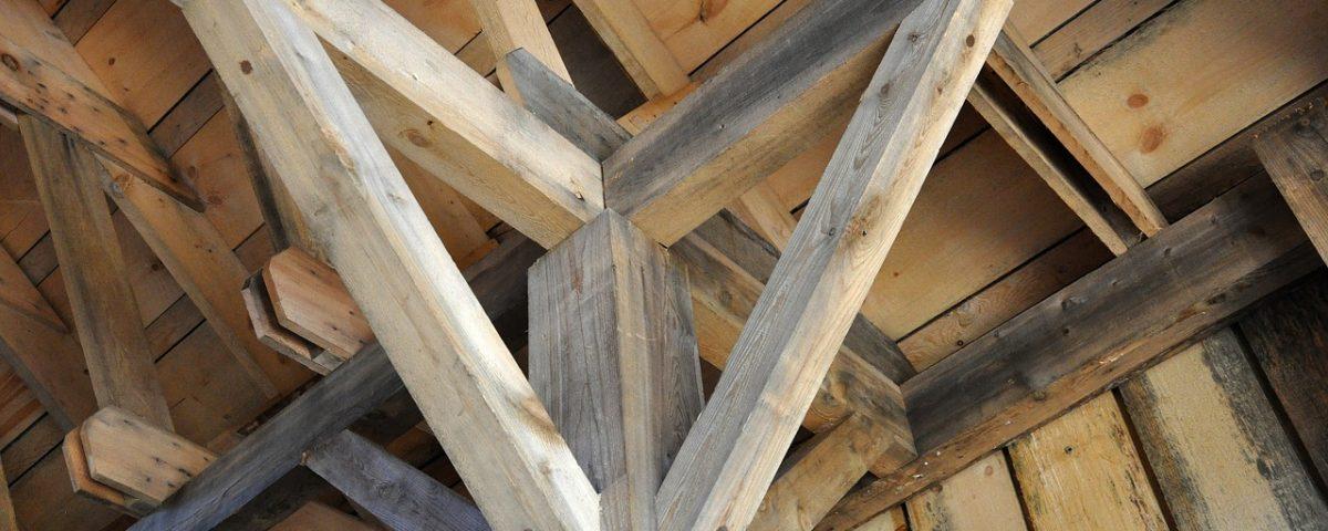 Vigas de madera para decorar tu techo entredecora - Cambiar vigas de madera ...